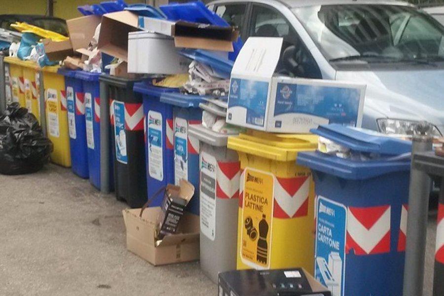 Forlì e la raccolta rifiuti porta a porta: brutte notizie per i cittadini e per l'ambiente.